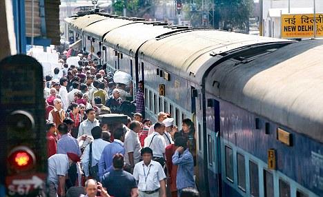 поезд в Дели