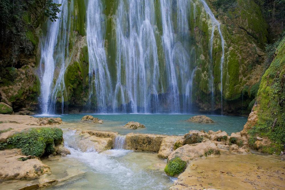Водопад в Доминикане