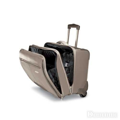 Внутреннее пространство чемодана