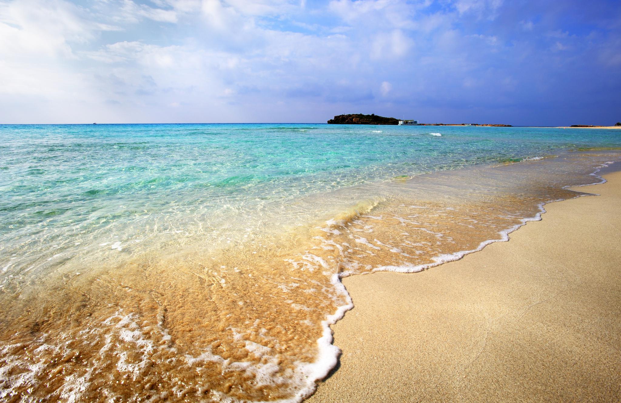 Пляж Нисси-Бич на Кипре
