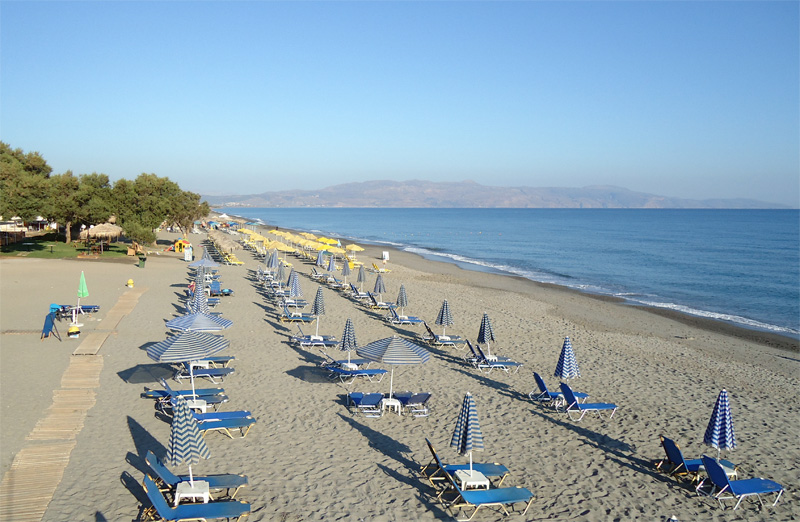 Пляж Платаньяс